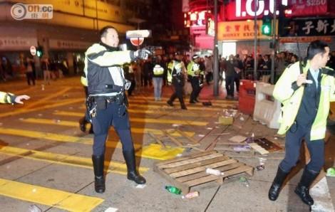 hk_riot8